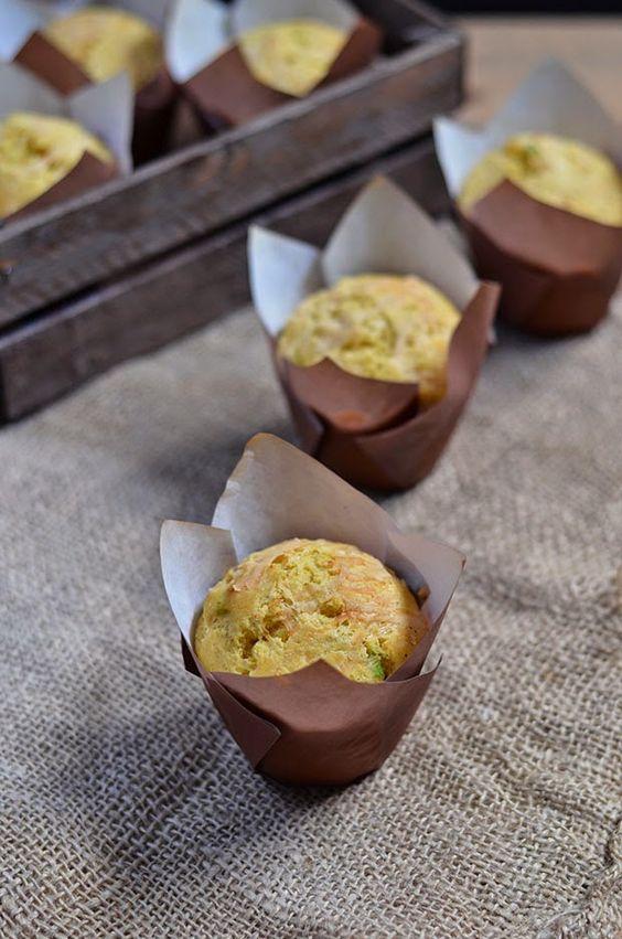 Ananás e Hortelã: Muffins de Milho, Queijo e Cebolinhas