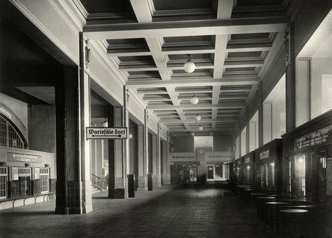 1925 Bahnhof Friedrichstrasse Schalterhalle Berlin Geschichte Friedrichstrasse Bahn Berlin