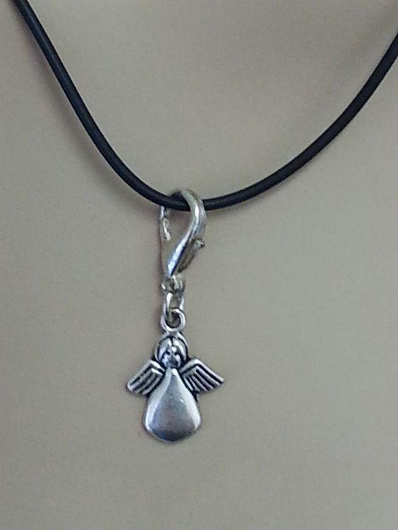 Halskette mit Engel - Anhänger
