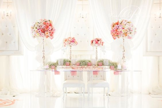 plexi lucite head table by Rachel A. Clingen photo credit @Rowell Photography