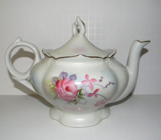 Vintage Lefton Musical teapot  plays 'Tea for two by FeliceSereno, $25.00