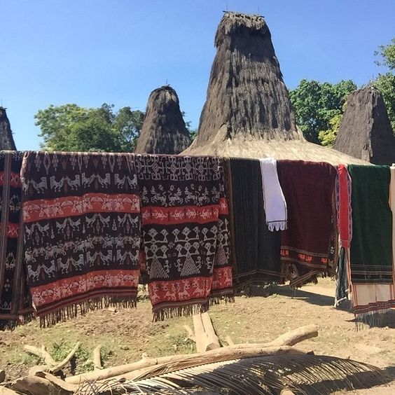 With no running water or electricity, life is hard for the people of #Sumba, particularly the women, who cook, clean, work in the fields, gather water, tend to family, and weave these colourful Ikat materials. #travel #travelgram #travelpics #travelphotography #instatravel #instapassport #design #Indonesia #nofilter