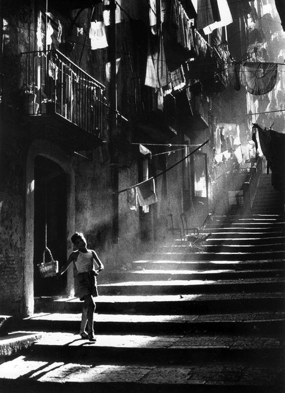 Napoli © Piergiorgio Branzi