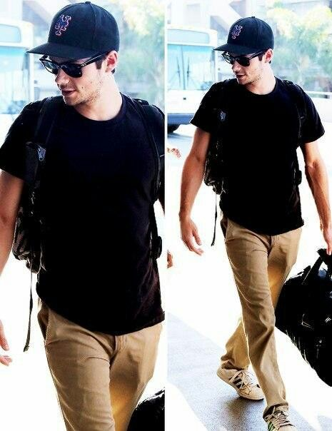 Dylan O'Brien arriving at LAX airport in LA.♥ - sadly I guess things got a bit ugly for poor Dylan with the press :(  8/2014