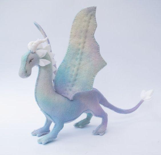 Dragón+suave+juguete+hecho+a+mano+de+fieltro+por+LoriDesignsOnline