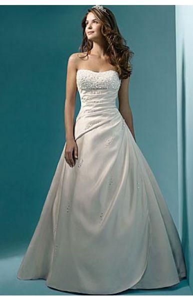 Verschiedene Hochzeitskleider - Tipps 2015
