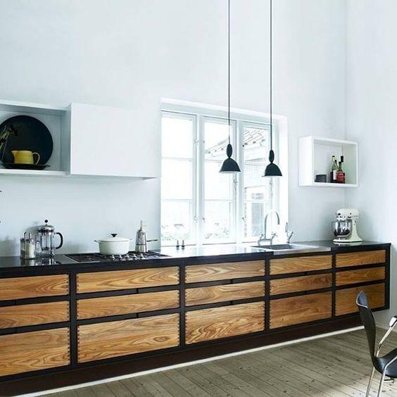 """""""Vi starter gerne vores lørdag i køkkenet her  #danskdesign #indretning #køkken #madogbolig #træ #design"""""""