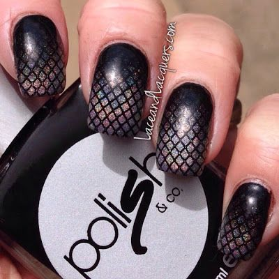 Holographic Gradient Fishnet Nails