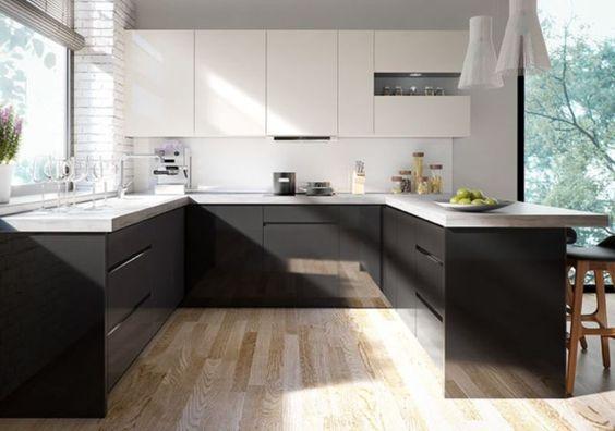 hochwertige U-Küche Nina1. Bild 1 und 2 Wir stellen auch nach Ihren Maß eine Küche zusammen andere Farben möglich! Geräte möglich Markenküche von BLUM®. Hochwertige Auszüge und mehr. verstellbare Füße von 82cm bis ca. 90cm eingearbeitete Griffe hochwertige Türen aus 1,8cm staken MDF Höhe der Unterschränke 82cm ohn Arbeitsplatte Höhe der Hängeschränke 72cm auch bis 92cm möglich ohne Geräte,Spülbecken,Licht,Arbeitsplatte (extra bestellbar) Seitenblenden extra bestellen in matt oder Glanz…