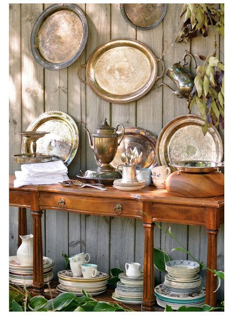 Silver tray plate wall