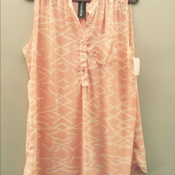 Beautiful summer dress. The size is 1xl Brand new beautiful summer dress Dresses Mini