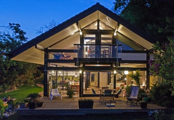 Hegyvid k hungary luxury timber and glass house in for Luxury glass homes