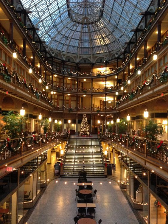 The Hyatt Regency Hotel In Cleveland Ohio Decorated For Christmas Formerly Arcade Pinterest And