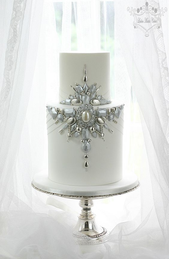 Cake jewelry #bling = Leslea Matsis Cakes =