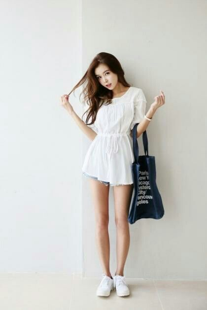 White dress never goes wrong: