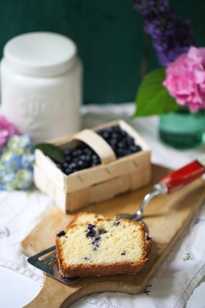 Rezept für Polentakuchen mit Heidelbeeren Rührkuchen Kastenkuchen Backrezept einfach Sommerkuchen Blaubeerkuchen Kulturheidelbeeren Zuckerzi...