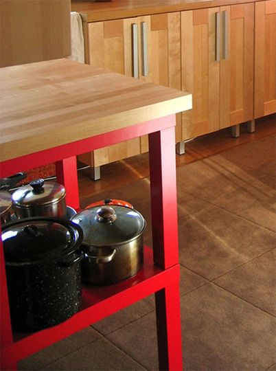 Qui n'a pas eu  la fameuse table basse lack , au moins une fois dans sa vie? c'est un des best seller de chez  ikea,  car elle est bon ma...