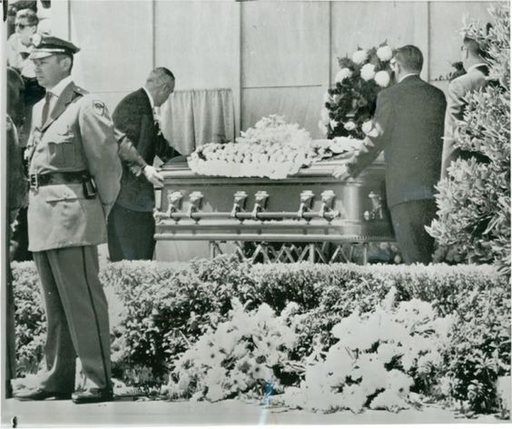 "Marilyn Monroe's funeral took place at 1:00pm on August 8, 1962, at the Westwood Village Mortuary Chapel on the grounds of the Westwood Memorial Cemetery. She was buried in what was known at that time as the ""Cadillac of caskets"" - a hermetically sealing antique-silver-finished solid bronze ""masterpiece"" casket lined with champagne colored satin-silk."