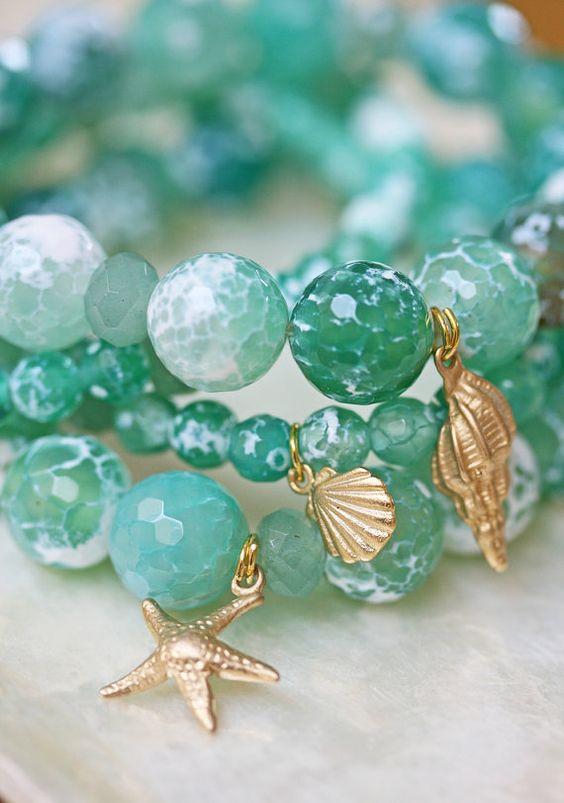 Stretch Bracelet- Agate Bracelet - Starfish Charm Bracelet - Green Bracelet- Beach Jewelry