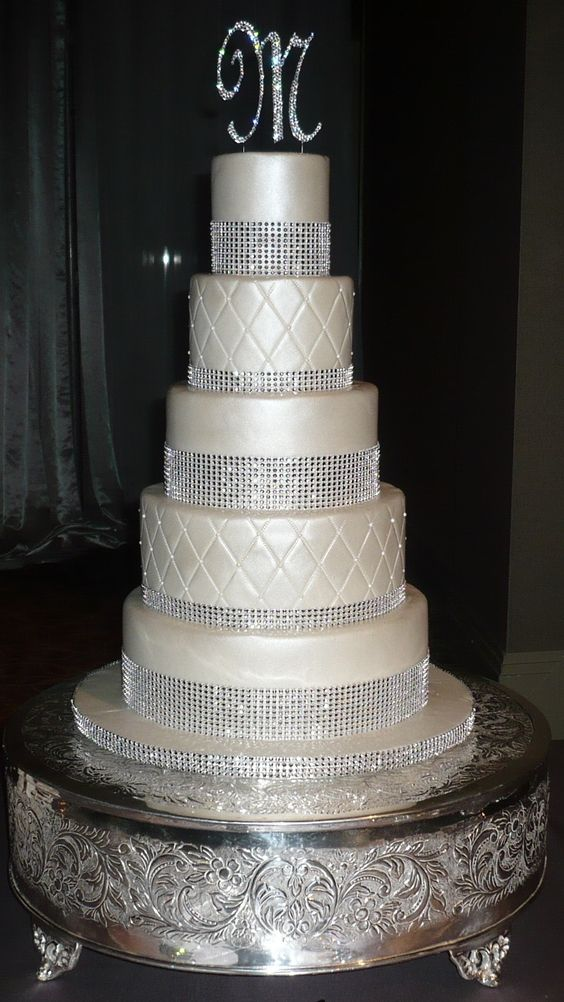 bling wedding cakes uk bling wedding cakes weddings 5 tier bling and pearl 11936