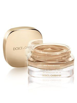 Best Foundation on the market! Great for both Dry and oily skin. Leaves a little bit of a dewy finish to give you that healthy glow. And looks amazing on camera because it is HD.