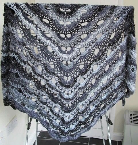 Crochet Pattern Virus Shawl : Virus shawl