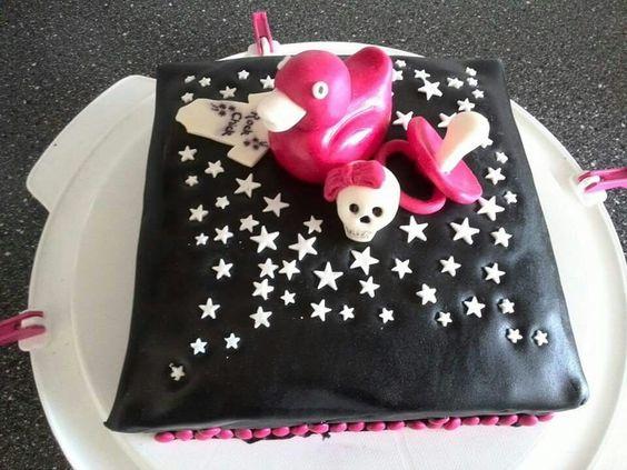 Metal baby shower cake by Vera Dolstra