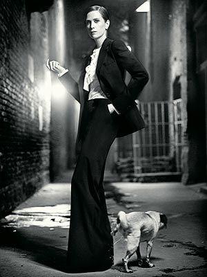 Kristen Wiig. queen of the awkward movie moment.