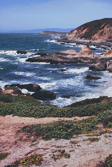 5885f6c10f169fafd4ef3697ae7f6e0a - A Guide To Roadtripping The California Coast