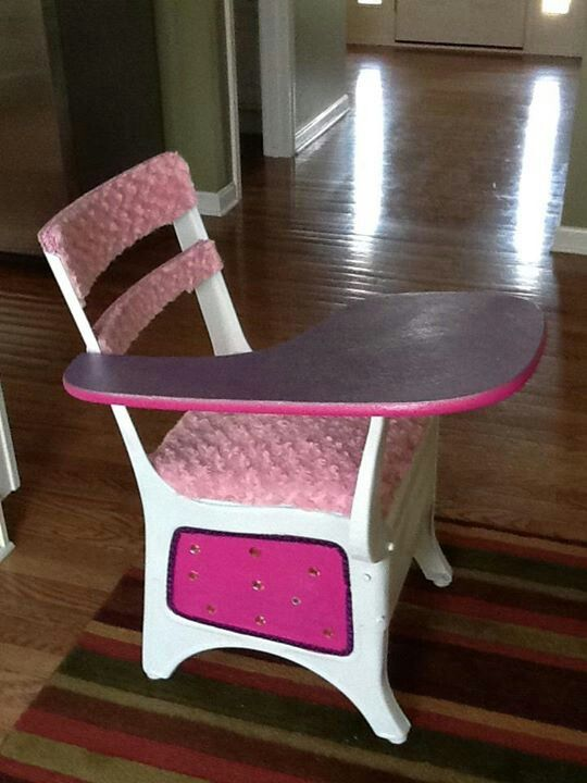17 Best Images About Old School Desks/chairs On Pinterest | Old School Desks,  Hot Pink And Vintage School Desks