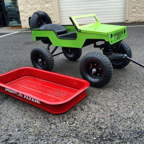 XploRoller ultimate kids wagon Jeep next to a radio flyer tub