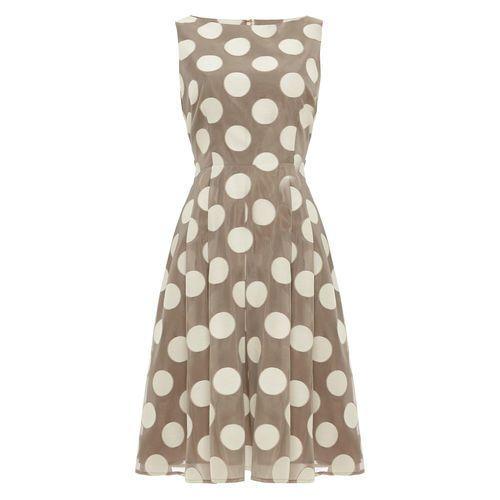 Phase Eight Damen Kleid Hayley Mit Punkten Taupe 36 Jetzt Bestellen Unter Https Mode Ladendirekt De Damen Bekleid Kleider Elegante Mode Polka Dots Kleider