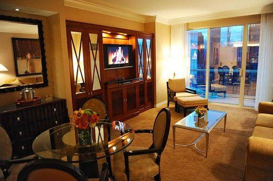 Found On Bing From Www Tripadvisor Com Mgm Signature Suites Mgm Grand Las Vegas Conference Hotel