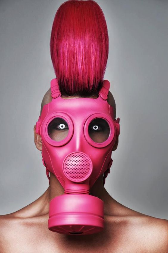 """Shocking pink is for summer! #mask #hair #makeup"" - Holy crap! I LOOOOOVE!:"