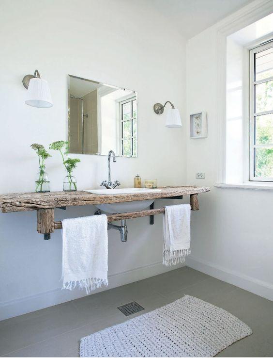 Un plan vasque en bois brut de chez brut !