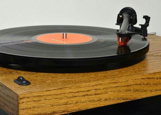High end audio audiophile turntable Sota Moonbean