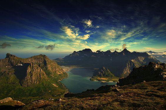 From Hustinden above Vareidet, Flakstad island by steinliland, via Flickr
