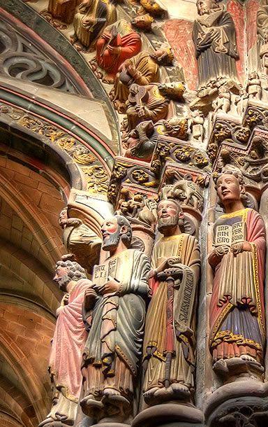 Detalle escultórico con policromía del Pórtico del Paraíso,Catedral de Orense. Galicia. ESPAÑA http://www.arteguias.com