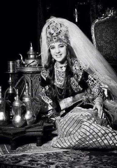 Une juive marocaine qui porte lkeswa lkbira