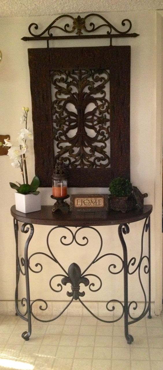Italian Foyer Furniture : Italian furniture is a perfect choice to attain