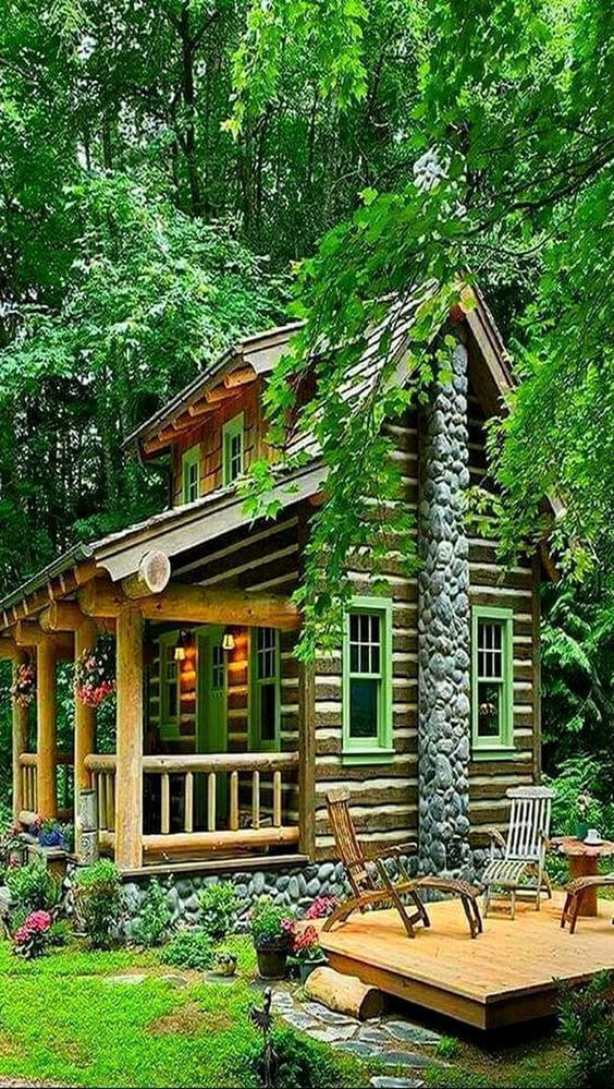 Splendid Choices To Create Your Dream Log Cabins In The Woods Or Next To A River A Must Have To Take Refug Tiny Cabins Diy Tiny House Plans House In The Woods