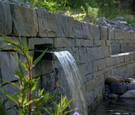 Trockenmauern Sandstein Naturgarten Wasserfall aus Sandsteinmauer / Dry stone wall Natural stone sandstone Salamander Naturgartengestaltung GmbH