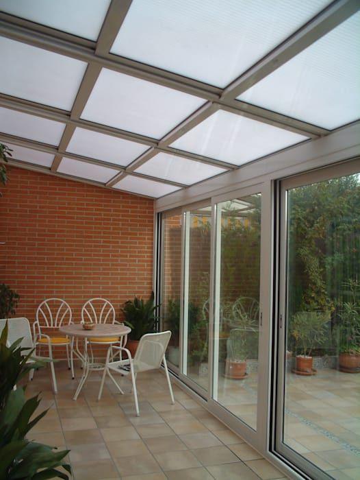 Balcones y terrazas modernos de fraimar aluminios s.l. moderno aluminio/cinc   homify