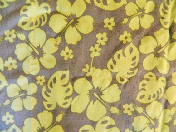 """Hawaiian Fabric Hibiscus Flower Print Green Quilting Sewing Crafting 57"""" x 76"""" #Unknown"""