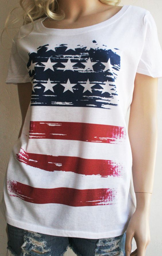 American Flag T-Shirt - Red White and Blue - Patriotic Pride!!! I love my country!!! I ship Priority, it usually arrives 2-3 days after