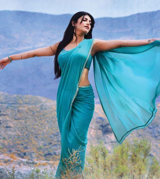 Shruti Hassan in Sea Blue Plain Georgette Saree