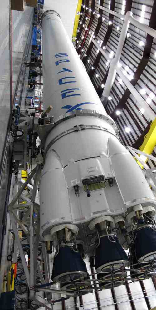 spacex rocket nasa rockets and space related things pinterest rockets. Black Bedroom Furniture Sets. Home Design Ideas