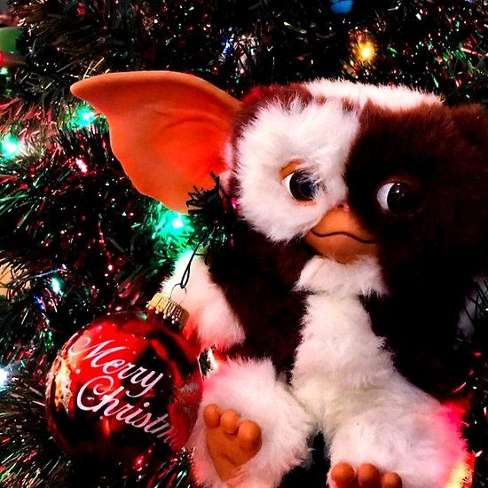 Merry Christmas Gizmo Gremlin In The Xmas Tree Gremlins Xmas Tree Christmas