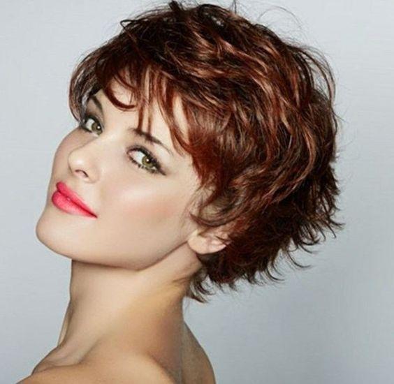 Idée de coupe courte pour les cheveux ondulés coupe de cheveux ...