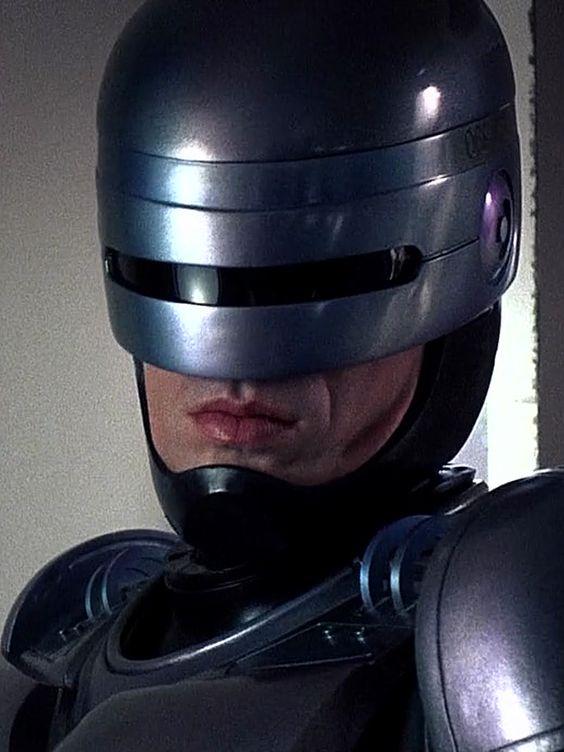 Peter Weller in Robocop (1987)